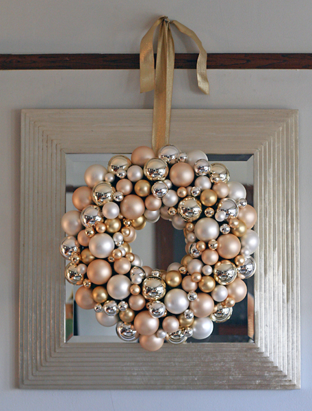 christmas ornament wreath